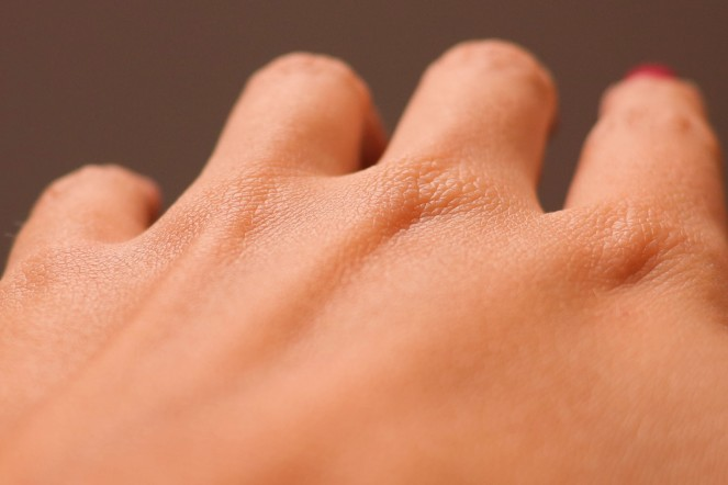 hands2-coral